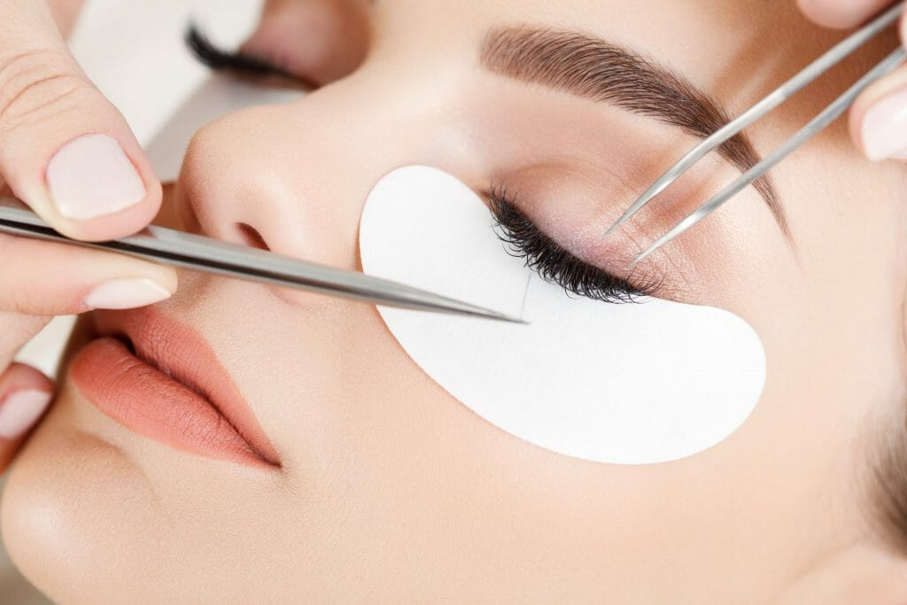 Complete Guide to Eyelash Extension -Solana Aesthetics & Wellness